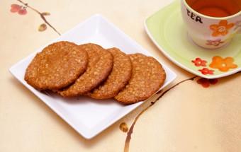 بیسکوییت جو و عسل | Honey & Oat Biscuit