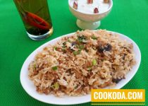 خوراک برنج با قارچ و سویا   Mushroom & Soya Chunks Fried Rice