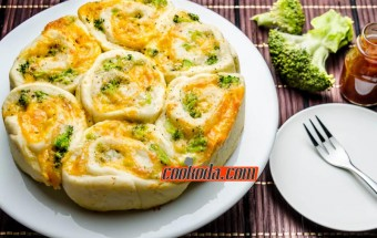 three-cheese-broccoli-buns
